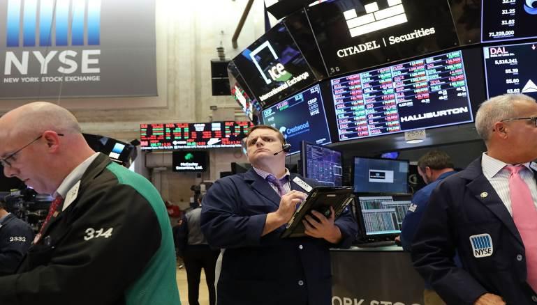 ترامب يعلن عن بدء حرب عالمية تجارية على مستوى اسواق البورصة