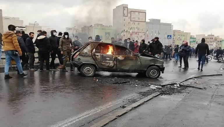 إيران:الاحتجاجات لم تنتهِ..وبومبيو يطلب توثيق القمع