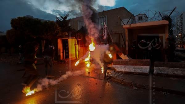 """السياسيون """"المتفرجون"""" على حرائق طرابلس ينتقدون الجيش!"""