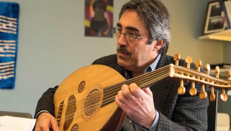 رحلة سيمون شاهين من بركلي إلى منتجع الموسيقى