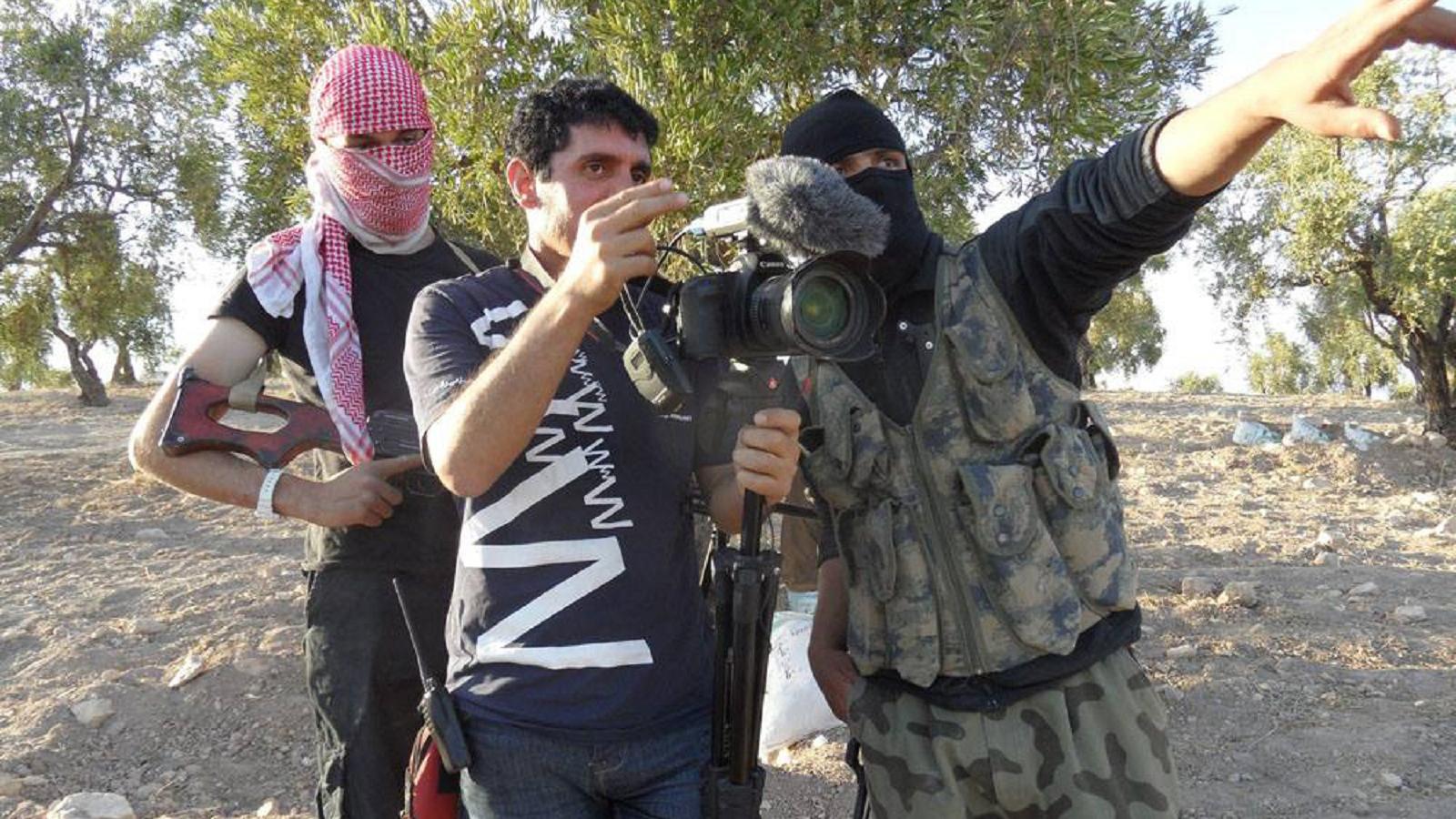 مدين ديرية مع جهاديين أجانب في سوريا